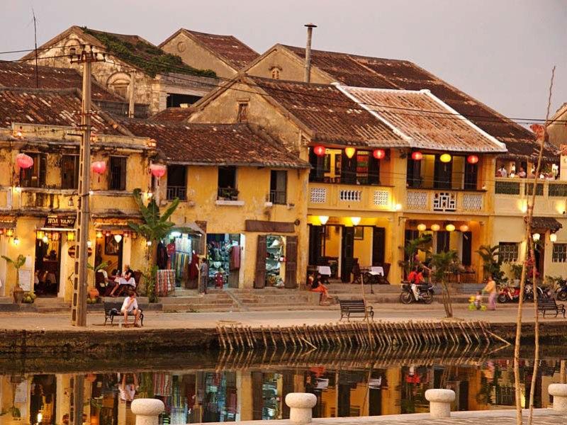 Tours in Centre Vietnam (Hue-Danang-Hoian)
