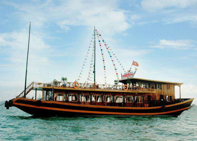 Full Day Boat Cruise in Halong Bay (8 Hours)
