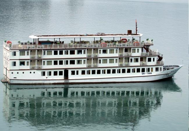 Huong Hai Sealife Cruise Halong Bay 2 Days 1 Night