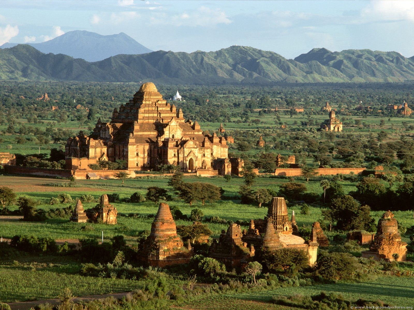 Amazing Vietnam, Cambodia, Thailand and Myanmar 25 Days