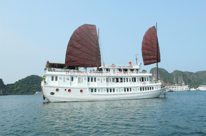 Halong Phoenix Cruiser 2 days 1 night