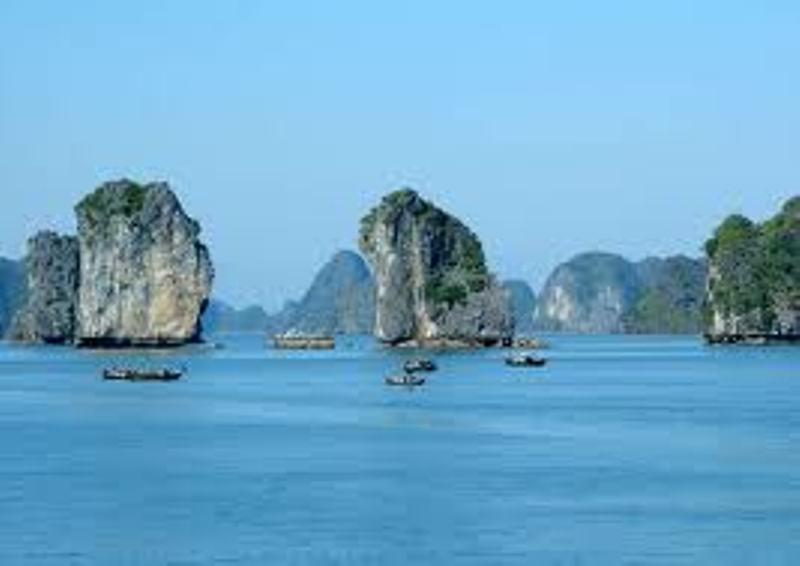 Hanoi - Halong Bay overnight on shore 4 Days