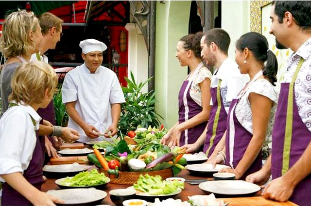 Hoian Cooking Class & Hoian Old Quarter 1 Day
