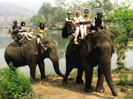 Luang Phrabang - Elephant Riding & Kayaking